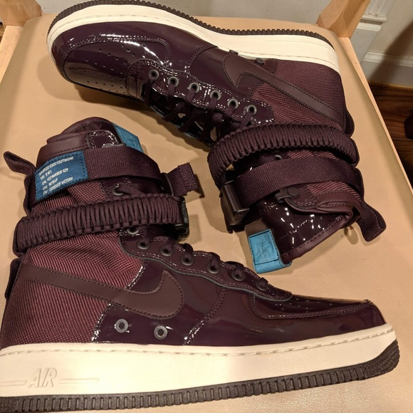 on sale 7cf67 2d9ff New Nike Women's SF Air Force 1 SE Premium Shoes